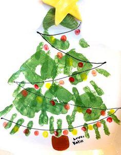 Árvore de Natal com carimbo das mãos - Pra Gente Miúda