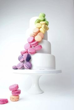Bring a little bit of Paris into your wedding with these tasty little French macarons! What is a macaron you ask? A macaron is a light, air. Naked Wedding Cake, Beautiful Wedding Cakes, Gorgeous Cakes, Pretty Cakes, Amazing Cakes, Macaroon Wedding Cakes, Macaroons Wedding, Macaroon Cake, Bolo Macaron