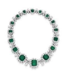 Gorgeous! Elizabeth Taylor's Emerald and Diamond Bvlgari necklace