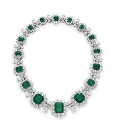 Gorgeous! Elizabeth Taylor's Emerald and Diamond Bvlgari necklace