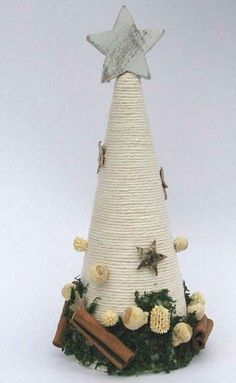 Cone Christmas Trees, Christmas Tree Crafts, Rustic Christmas, Christmas Projects, Handmade Christmas, Christmas Holidays, Christmas Wreaths, Christmas Ornaments, Christmas Centerpieces