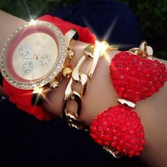 There is 0 tip to buy jewels. Help by posting a tip if you know where to get one of these clothes. Red Jewelry, Cute Jewelry, Jewlery, Jewelry Accessories, Fashion Accessories, Watch Accessories, Stylish Watches, Diamond Are A Girls Best Friend, Fashion Watches