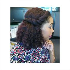 This is what you come up with when you don't re-twist your hair at night. #TiffanyNicholsDesign #naturalhair #blogger #vlogger