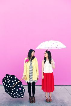 DIY Polka Dot Umbrellas (colorful version on the outside and peek-a-boo version on the inside) and 9 other DIY umbrella designs that will brighten up your rainy days :)! Peek A Boo, Love Fest, Best Friend Photos, Sister Photos, Under My Umbrella, Parasol, Diy Projects To Try, Craft Projects, Diy Painting