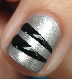 Get The Look - Fergie's Striped Nails at the Wolverine Screening Nail Polish Style, Silver Nail Polish, Nail Polish Trends, Silver Nails, Black Nails, Polish Nails, Nail Trends, Easy Nail Polish Designs, New Nail Designs