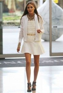 She's all white! Olivia Palermo compliments her tan in monotone outfit of mini-skirt and blazer at Australian launch Estilo Olivia Palermo, Look Olivia Palermo, Olivia Palermo Lookbook, Girl Fashion, Fashion Outfits, Fashion Tips, Mode Chic, Street Style, Celebrity Look