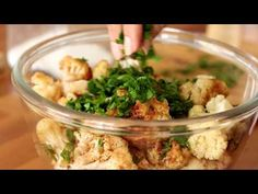 Fried Cauliflower Salad, It is always quickly devoured because we are crazy about it. Therefore prepare a double quantity in advance. Yummy Vegetable Recipes, My Recipes, Vegan Recipes, Cooking Recipes, Recipies, Israeli Food, Vegan Cauliflower, Side Dishes, Food And Drink