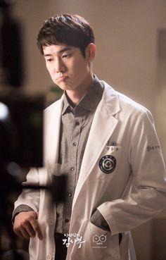 Too cute being a doctor Korean Star, Korean Men, Drama Korea, Korean Drama, Asian Actors, Korean Actors, Seo Hyun Jin, Ahn Hyo Seop, Oppa Gangnam Style