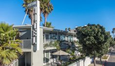 The Bayside is perhaps the most affordable of all hotels along Santa Monica Beach. Rooms have been recently remodelled and most are equipped with a kitchenette – perfect for those pre-surf breakfasts or late night munchies.