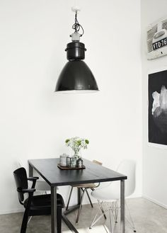 #interior #decor #styling #BW #black #white #dining #Scandinavian #industrial #lamp #pictures #frames #posters