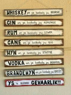 Ys is gevaarlik! Sign Quotes, Wall Quotes, Funny Quotes, Diy Pallet Wall, Afrikaanse Quotes, Birthday Wishes Quotes, Craft Quotes, Diy Wall Art, Wall Decor