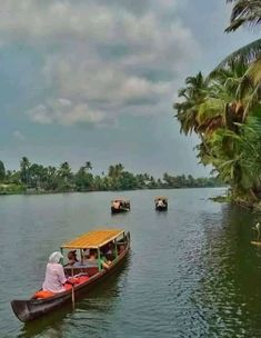 Holiday Destinations, Travel Destinations, Krishna Temple, Boat Building, Sandy Beaches, India Travel, Incredible India, Cool Places To Visit, Kayaking