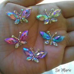 Face Gems, Face Jewels, Face Painting Designs, Body Painting, Embroidery Jewelry, Beaded Embroidery, Gems Jewelry, Bling Jewelry, Ballroom Jewelry