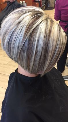 hair highlights curly Soft Blunt Bobby ThinHairCuts licensedtocreate hairvideos hairtutorials h. Medium Thin Hair, Short Thin Hair, Short Hair With Layers, Short Hair Cuts, Medium Hair Styles, Short Hair Styles, Short Blonde, Blonde Hair, Side Bangs Hairstyles