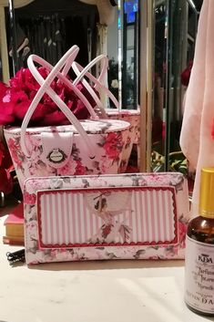 Box Bag, Printed Bags, Purses And Bags, Women Accessories, Kitten, Floral, Design, Love, Woman
