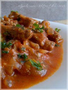 Thai Red Curry, Ethnic Recipes, Food, Cilantro, Essen, Meals, Yemek, Eten