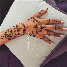 Wrist design for me - tattoos/henna - Wrist design for me - tattoos/henna -You can find Henna tattoo designs and more on our website.Wrist design for me - tattoos/henna - Wrist desi. Henna Tattoo Designs, Henna Tattoos, Henna Tattoo Wrist, Cute Henna Designs, Henna Inspired Tattoos, Henna Tattoo Hand, Beautiful Henna Designs, Henna Designs Wrist, Henna Flower Designs