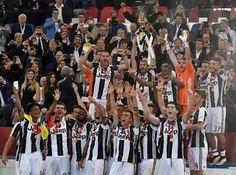 Milan-Juve 0-1: Chiellini alza al cielo la Coppa Italia.