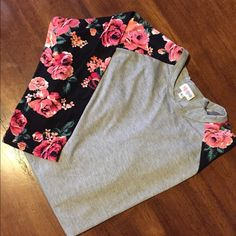 LuLuRoe Rand Tee NWT Randy Tee. So buttery soft! LuLaRoe Tops Tees - Long Sleeve