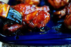 Pioneer Woman BBQ Chicken Legs - while the title of the recipe would indicate that this involves a grill, it in fact, does not. Everything is done in the oven & the BBQ part comes from the sauce. Best Bbq Chicken, Bbq Chicken Legs, Chicken Drumsticks, Cashew Chicken, Baked Chicken, Whiskey Chicken, Chicken Sauce, Oven Chicken, The Pioneer Woman