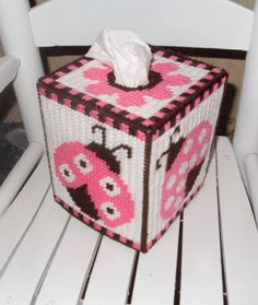 LADYBUG 1/2 Plastic Canvas Tissue Boxes, Plastic Canvas Crafts, Plastic Canvas Patterns, Tissue Box Holder, Tissue Box Covers, Hama Beads, Picture Ornaments, Plastic Mesh, Plastic Canvas Christmas