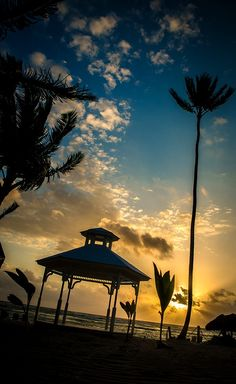 Morning dawns on another day of weddings here at the Majestic Colonial Punta Cana #LoveMyJob | Vaughn Barry Photography