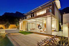 Spectacular Contemporary Villa in Camps Bay