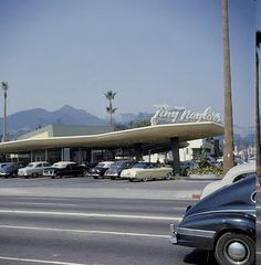CENTRAL L.A. | HOLLYWOOD:  Tiny Naylor's Drive-In restaurant, Sunset Boulevard, Hollywood, CA, ca. early 1950's. Rhan Vintage. Mid Century Modern Blog.