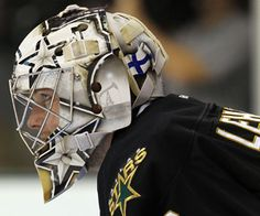 A great photo of goaltender Kari Lehtonen.