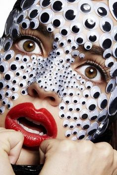 googly eyes - unique idea for a halloween party Maquillage Halloween Clown, Halloween Make Up, Halloween Face Makeup, Crazy Halloween Costumes, Halloween Skull, Googly Eye Crafts, Craft Eyes, Googly Eyes, Special Effects Makeup