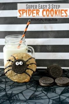 Halloween Spider Cookies, easy DIY decorated treat recipes for your Halloween Party, school party treat ideas for kids