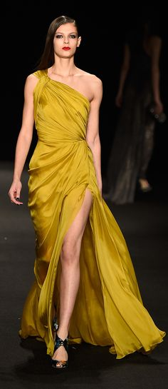 Monique Lhuillier Fall 2015 #NYFW #FashionWeek