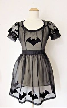 Actually an amazingly cute costume! From Cute Lou Couture Check out another big ole list of vintage halloween costume inspiration here. Lolita Fashion, Gothic Fashion, Moda Lolita, Looks Style, My Style, Costume, Gothic Outfits, Grunge Style, Dark Fashion