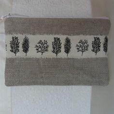 Trousse en lin beige, imprimée arbres