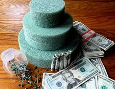 Money Birthday Cake, Money Cake, 80th Birthday, Happy Birthday, Birthday Ideas, Creative Money Gifts, Cool Gifts, Gift Money, Creative Food