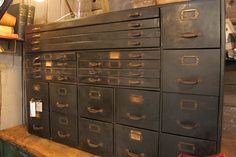 Lots of different drawer sizes - great for storage!