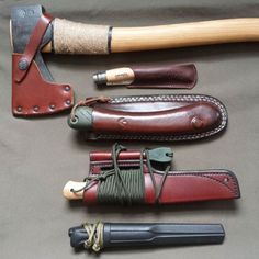 Best bushcraft know-hows that all survival lovers will most likely want to know now. This is most important for SHTF survival and will definitely protect your life. Bushcraft Camping, Kit Bushcraft, Bushcraft Projects, Bushcraft Skills, Camping Survival, Outdoor Survival, Camping Gear, Backpacking, Bushcraft Knives