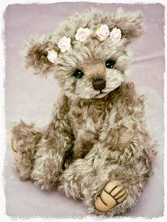 Three O'Clock Bears: Edith. Bears created by Jenny Johnson www.threeoclockbears.com