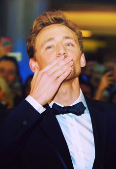 Tom Hiddleston. i'm pretty sure i just about died. like heart dropped through my chest. stopped dead.