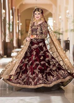 Gorgeous bride on her Baraat in bridal Beautiful Bridal Dresses, Asian Bridal Dresses, Beautiful Dress Designs, Pakistani Formal Dresses, Pakistani Wedding Outfits, Pakistani Dress Design, Bridal Outfits, Indian Dresses, Bridal Gowns