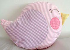 Almofada de passarinho - bird cushion... Con forma de pajarito