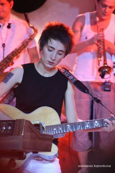 Zemfira, the coolest Russian ever - circa 2008, in concert