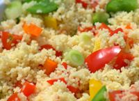 Couscous Salad Ingredients cup whole wheat couscous 1 tbs olive oil tsp sea salt cup carrot, sliced cucumber, sliced cherry tomatoes, halved Lunch Recipes, Great Recipes, Vegetarian Recipes, Favorite Recipes, Healthy Recipes, Delicious Recipes, Tasty, Yummy Food, Healthy Cooking