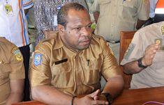Kepala Dinas Perindustrian dan Perdagangan Papua Max Olua mengatakan untuk dapat mewujudkan rencana pembukaan jalur perdagangan ke negara p...