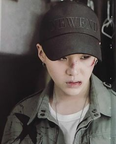 I was a little confused at first... I thought this was Woozi
