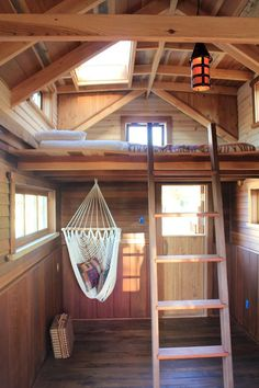 Ryan O'Donnell, the owner of Humble + Handcraft, used reclaimed old growth redwood and fallen cedar to make this a more sustainable tiny house. #catsdiyhammock