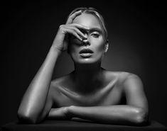 """4,276 Me gusta, 75 comentarios - Lindsay Adler (@lindsayadler_photo) en Instagram: """"There is no one right pose, focal length, camera angle, or expression for a portrait. I've shot…"""""""