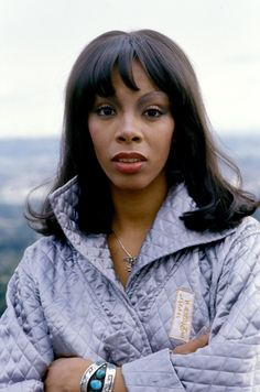 Donna Summer what a beauty and a great voice .. unsung for sure.. love u