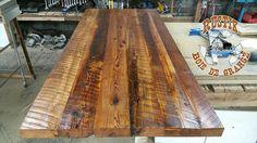 Nos réalisations de tables de salons et cuisines, bars comptoirs et îlots sur mesure en bois de grange et ancien.