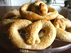 Easy No Knead, No Rise Soft Pretzels have been my cold-weather indoor kid activity for years - fun to make and fun to eat. Prepare to become pretty popular with your kid's friends... An Oregon Cottage